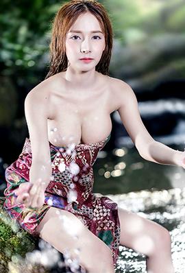 泰国火辣美女Djbarbie Mozz湿身写真图