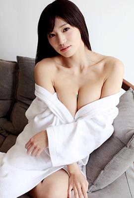 日本90后女优高桥圣子性感写真