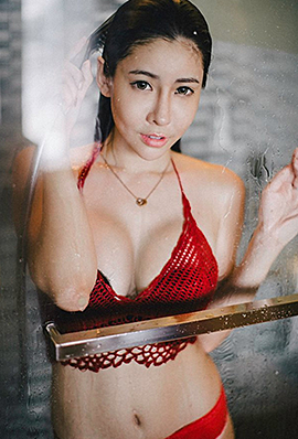 性感熟女melody湿身迷人