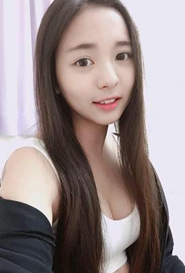 清纯小美女邱苡瑄精选美照图片