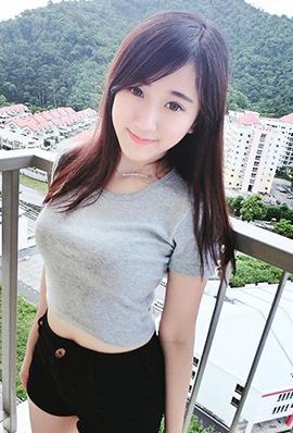 90后模特儿杨宝贝文艺美照图集