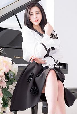 韩国气质美女朴秀京养眼写真图片