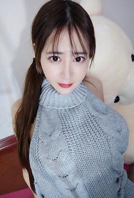 大胸妹子蜜桃Q妹微博养眼图片