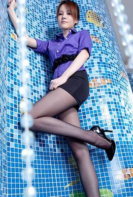 台湾beautyleg模特Jessie黑丝制服写真
