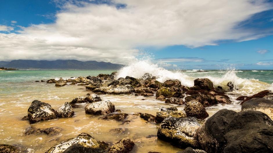 蓝色大海浪图片 精选好看的蓝色大自然风景图片
