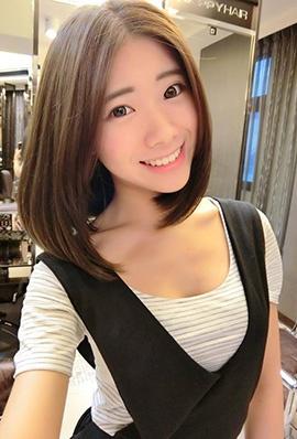 台湾美女赖钰涵甜美私房照笑容迷人