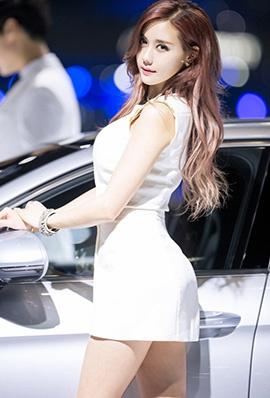 韩国美女金河律车展写真气质迷人