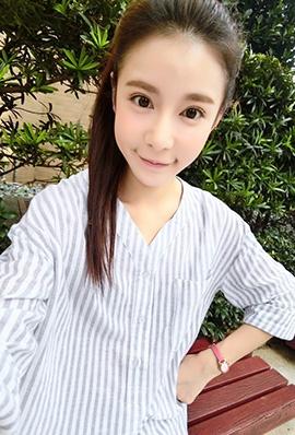 台湾网拍模特陈滢安私房照可爱至极