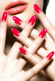 简单又好看的红色椭圆形长指甲美甲图片