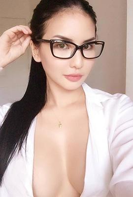 丰满美女模特Abby Poblador性感写真美乳诱惑