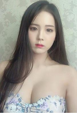韩国美女池仁月性感自拍照巨乳诱惑