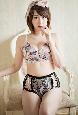 美女模特马俊怡私房内衣写真秀丰满身材