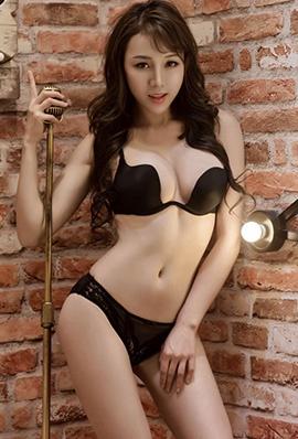 香港美女王沫儿性感内衣写真火辣诱人