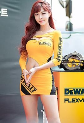 韩国赛车女郎徐珍儿制服短裙车展写真