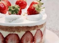 草莓慕斯蛋糕图片大全