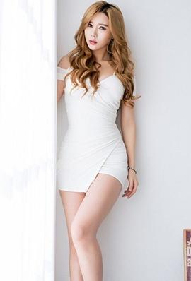 高挑美女宋珠娥超短裙写真长腿迷人