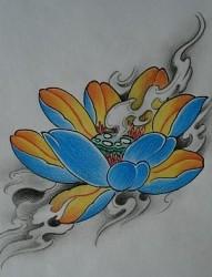 彩色花卉纹身图片:彩色莲花纹身图案