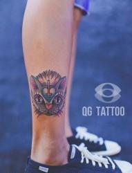 腿部前卫可爱的猫咪纹身图片