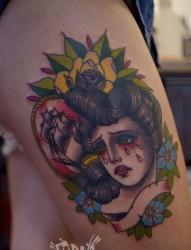女人腿部流泪的school女郎纹身图片