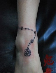 美女脚部潮流流行的脚链纹身图片