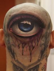 头部个性的眼睛纹身