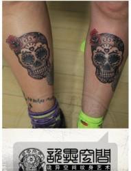 腿部时尚超酷的情侣欧美花骷髅纹身图片
