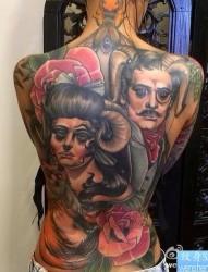 一幅个性的school风格满背纹身图片
