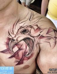 一幅胸部个性纹身作品
