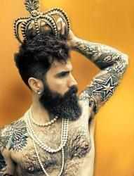 一幅男性个性纹身作品