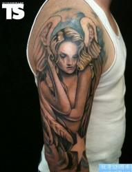 胳膊个性可爱天使纹身图案