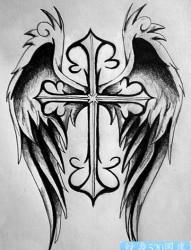 一款十字架翅膀纹身图案图片