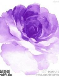 水彩风格玫瑰花纹身图片