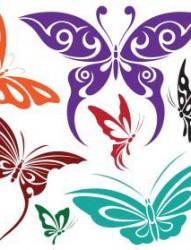 一幅漂亮的花蝶图腾纹身