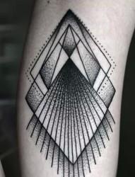 时尚黑色几何纹身