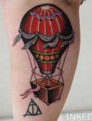 小腿部漂亮的热气球纹身