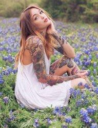 欧美性感纹身女性欣赏