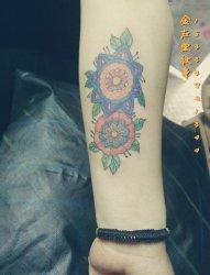 欧美风格花纹身 金左堂纹身盖疤痕修改纹身 安阳纹身 水冶纹身