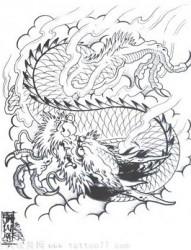 一张中国传统三爪龙纹身图片欣赏
