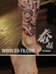 腿部经典前卫的黑白天使纹身图片