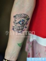 New School手腕骷髅纹身图片作品