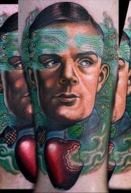 彩绘男性肖像与电子线路和苹果手臂纹身图案