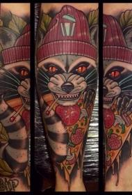 新传统风格彩色邪恶浣熊手臂纹身图案
