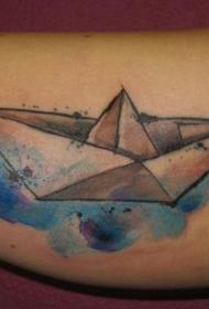 简单水彩风格的纸船手臂纹身图案