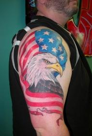 超级爱国鹰和美国国旗纹身图案