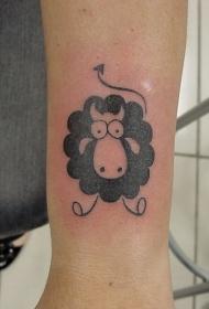 手臂黑白卡通绵羊纹身图案