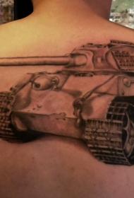 背部栩栩如生的德国坦克纹身图案