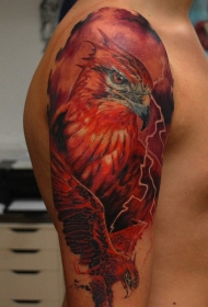 写实风格肩部彩色的鸟纹身图案