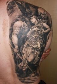 背部可爱的海盗和女人纹身图案