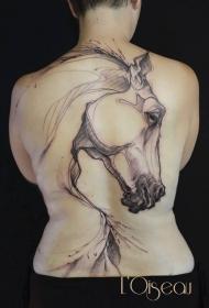 背部黑色素描线条马纹身图案