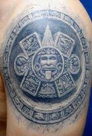大臂漂亮的阿兹特克石头太阳神纹身图案
